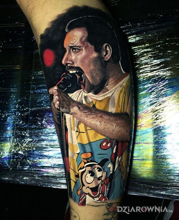 Tatuaż wokalista queen - realistyczne