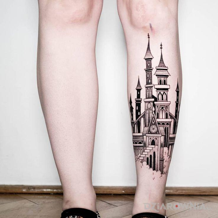 Tatuaż zamek  pałac w motywie pozostałe i stylu graficzne / ilustracyjne na nodze