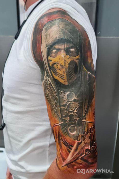 Tatuaż skorpion w motywie postacie i stylu realistyczne na ramieniu