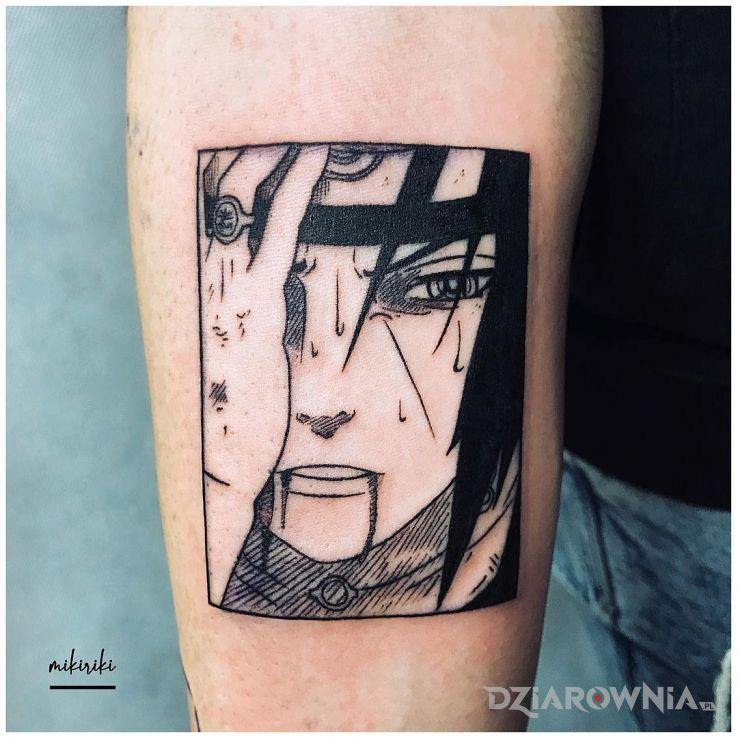 Tatuaż anime itachi uchiha w motywie twarze i stylu graficzne / ilustracyjne na przedramieniu