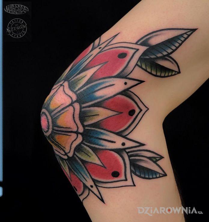 Tatuaż mandali nigdy za wiele w motywie kolorowe i stylu newschool na łokciu