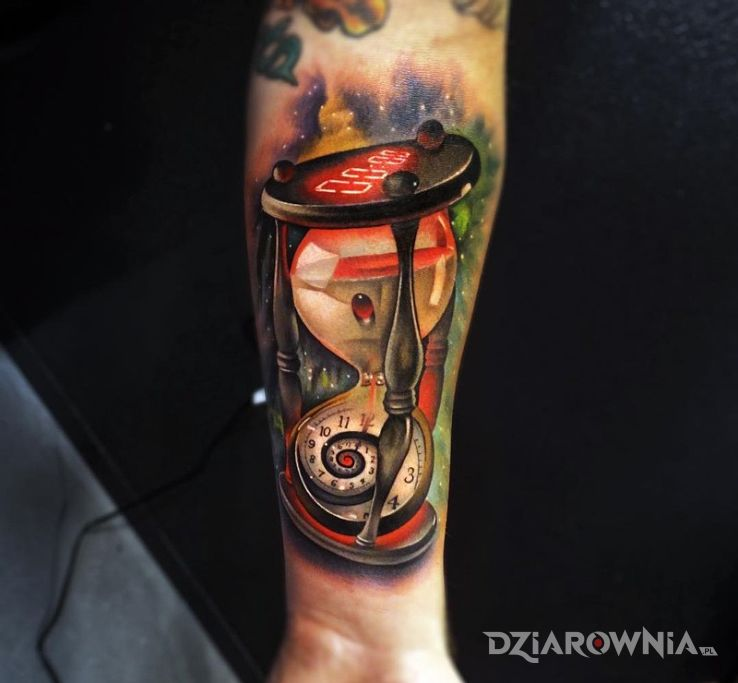 Tatuaż zegarki w motywie 3D na przedramieniu