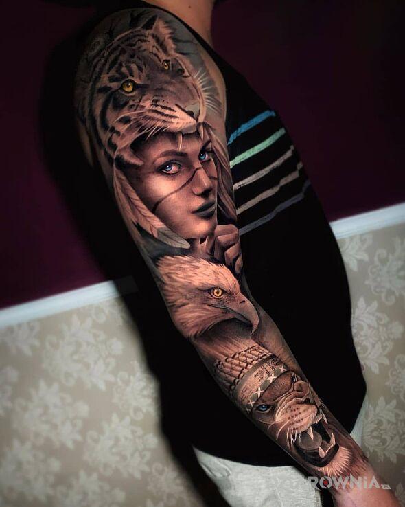Tatuaż zwierzecy zastep w motywie kolorowe i stylu realistyczne na ręce