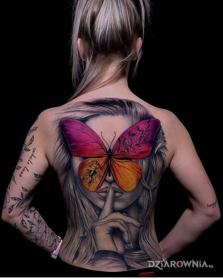 Tatuaze na plecy fajne Sentencje, napisy,
