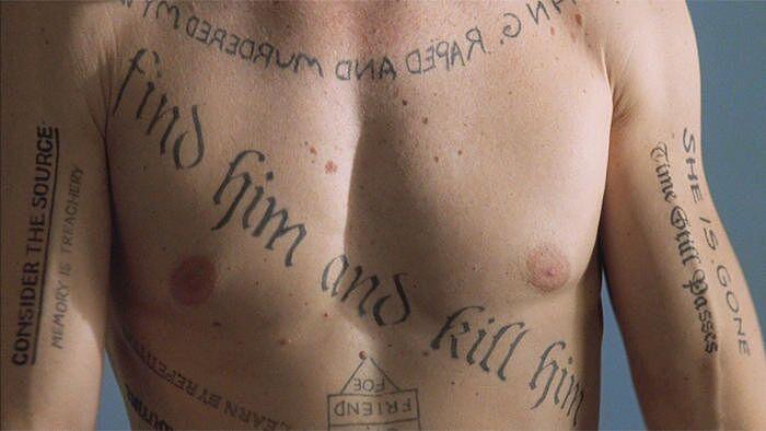 tatuaże w filmie memento