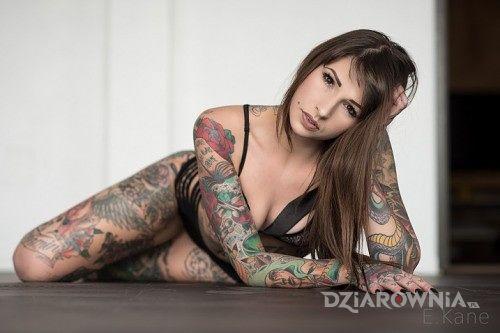 Tatuaż kobieta i tatuaże - rękawy