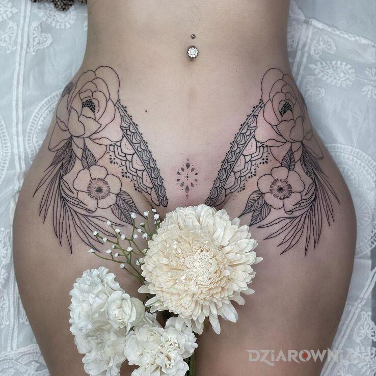 Tatuaż tatuaz prawie intymny w motywie seksowne i stylu kontury / linework na brzuchu
