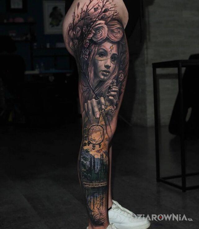 Tatuaż czary mary nad jeziorem w motywie twarze i stylu realistyczne na nodze
