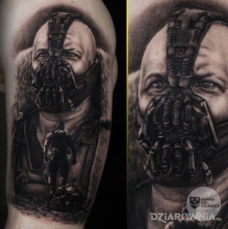 Tatuaż bane w motywie postacie i stylu realistyczne na ramieniu