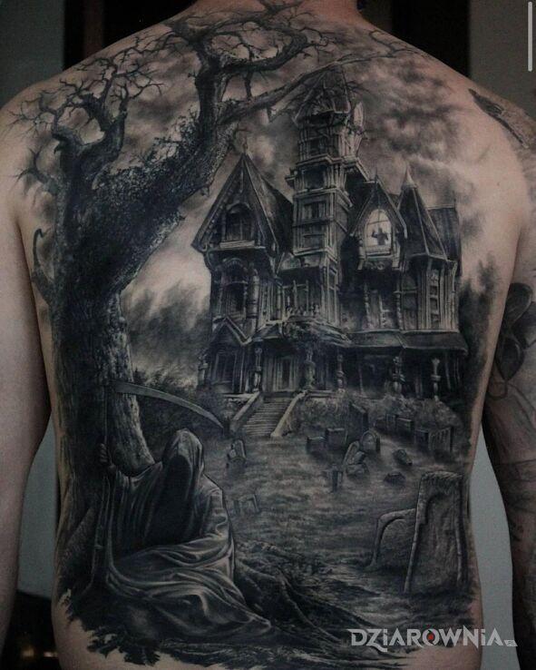 Tatuaż ciarki na plecach w motywie czarno-szare i stylu realistyczne na plecach