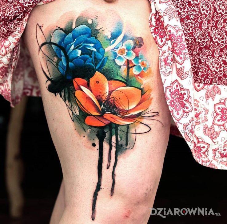 Tatuaż Kwiaty Na Udzie Autor Sajmon Dziarowniapl