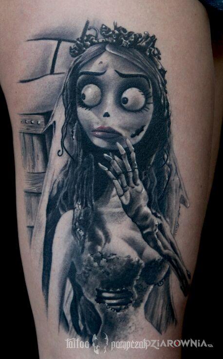 Tatuaż gnijąca panna młoda w motywie fantasy i stylu realistyczne na barku