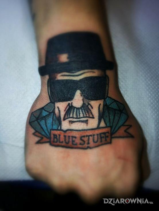 Tatuaż fanowski 3 w motywie postacie na dłoni