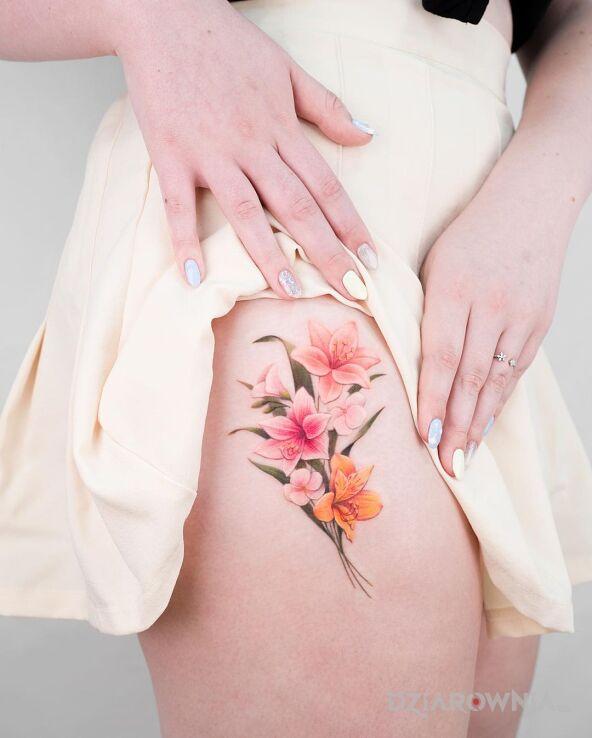 Tatuaż pęk kwiatów w motywie kolorowe i stylu realistyczne na nodze