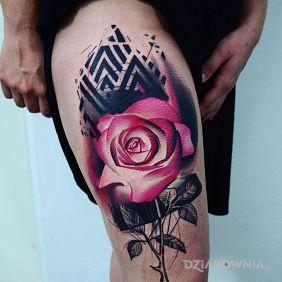 Róża na udzie