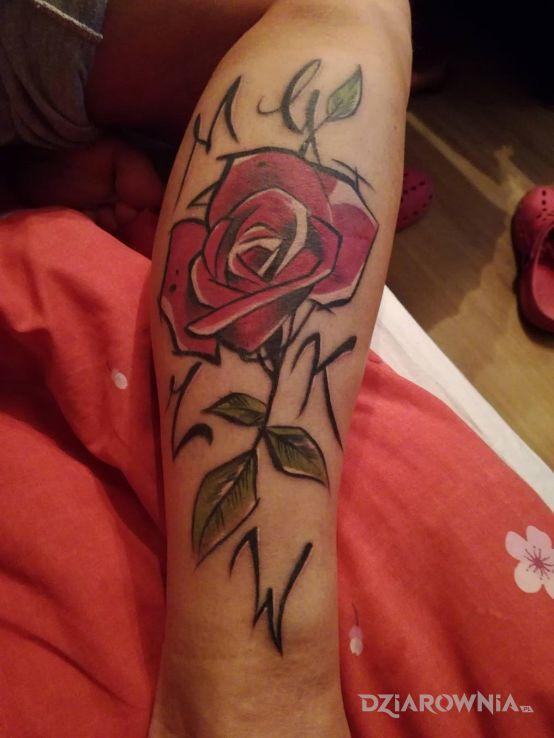 Tatuaż Róża Z Inicjałami Autor Weroniczka Dziarowniapl