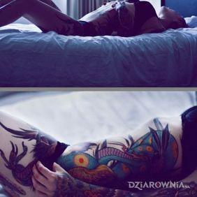 Fajne tatuaże u laski