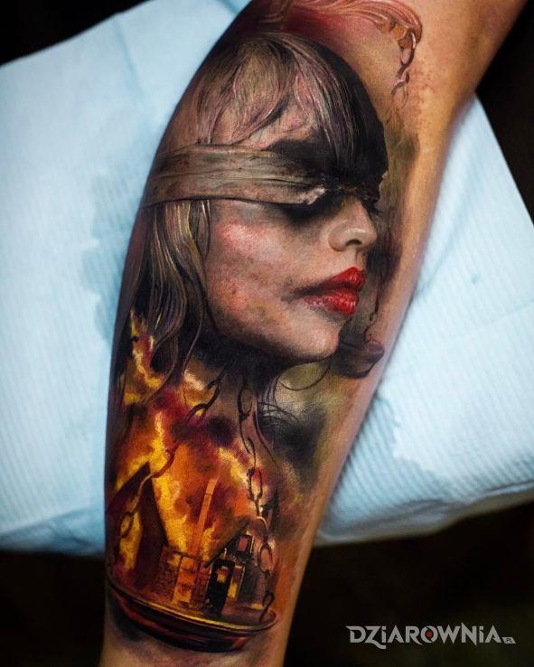 Tatuaż sprawiedliwość w motywie 3D na przedramieniu