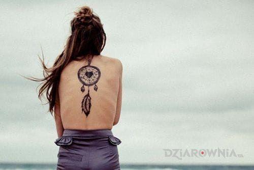 Tatuaż łapacz snów w motywie seksowne na plecach