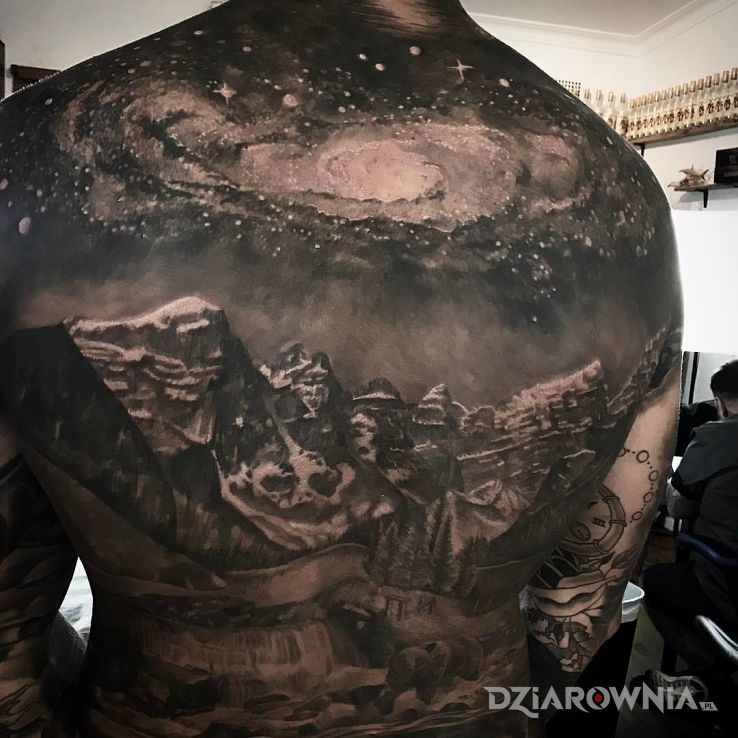 Tatuaż góry i gwiady - 3D