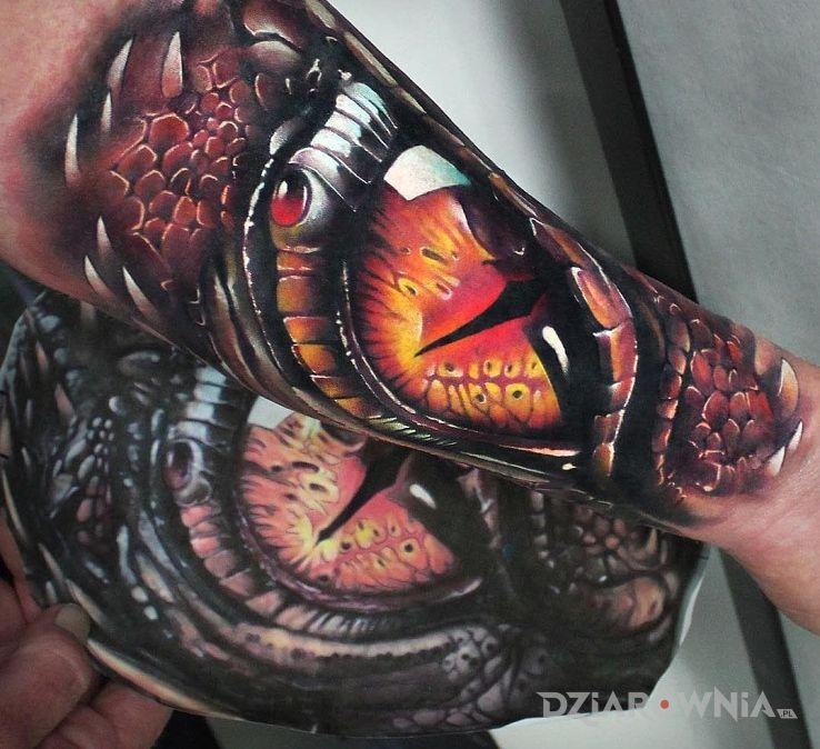 Tatuaż Oko Smoka Autor Cinek Dziarowniapl