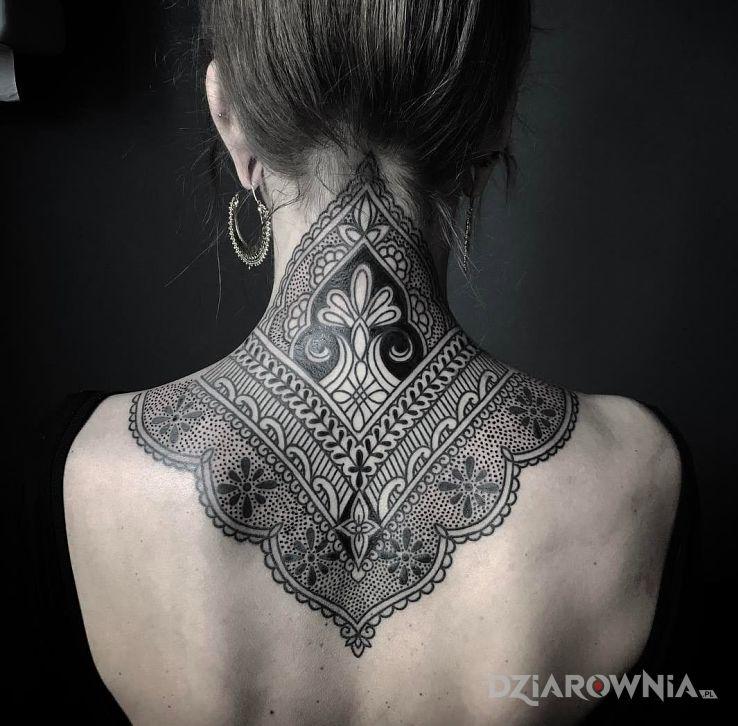Tatuaż Ornamenty Na Karku Autor Tusk Dziarowniapl