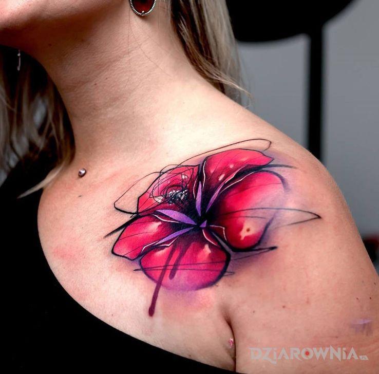 Tatuaż kwiat na barku w motywie kwiaty na obojczyku
