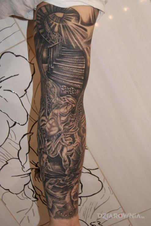Tatuaż archanioł w motywie rękawy na przedramieniu