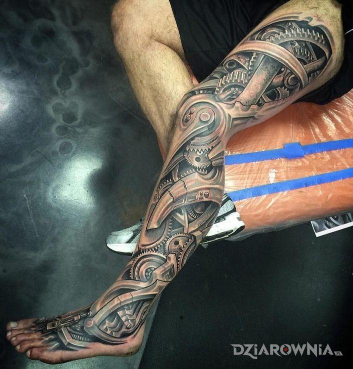Tatuaż biomechanika - realistyczne
