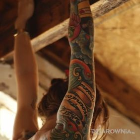 Ręka w tatuaże