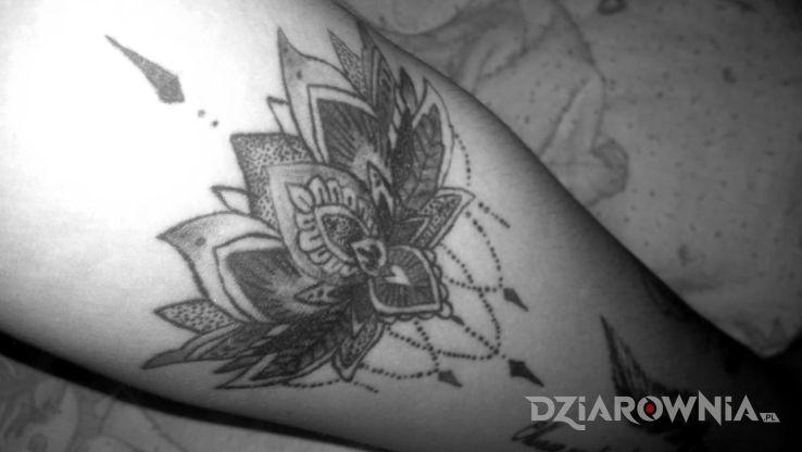 Tatuaż Kwiat Lotosu Autor Nicola Jabłońska Dziarowniapl