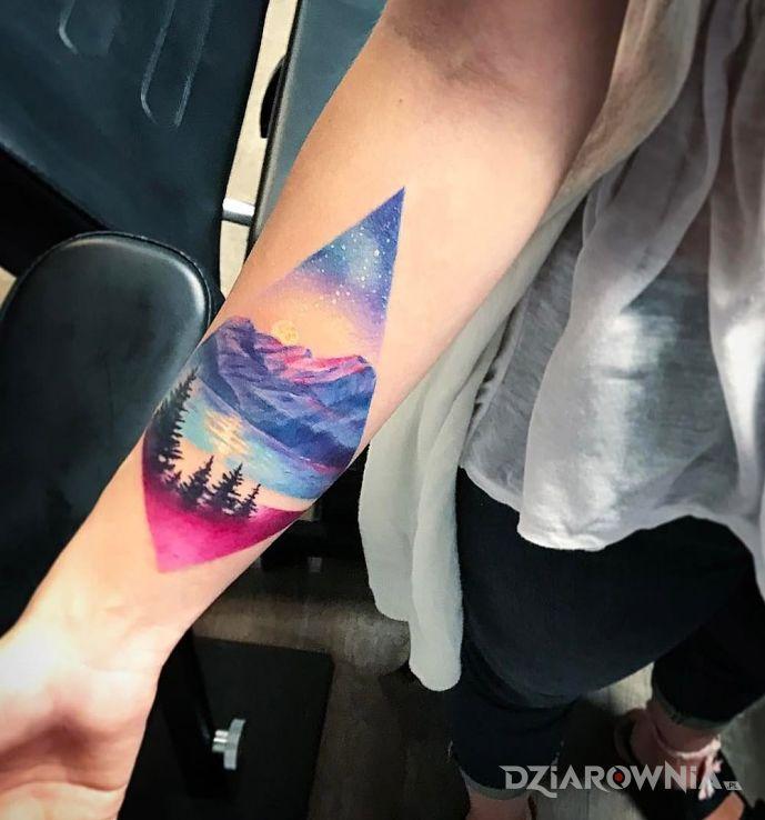 Tatuaż kolorowy krajobraz w motywie pozostałe na przedramieniu