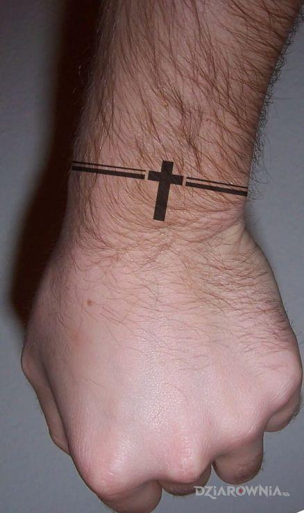 Tatuaż Mały Krzyż Autor Niezniszczalny Dziarowniapl