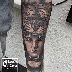 Kobieta i tygrys