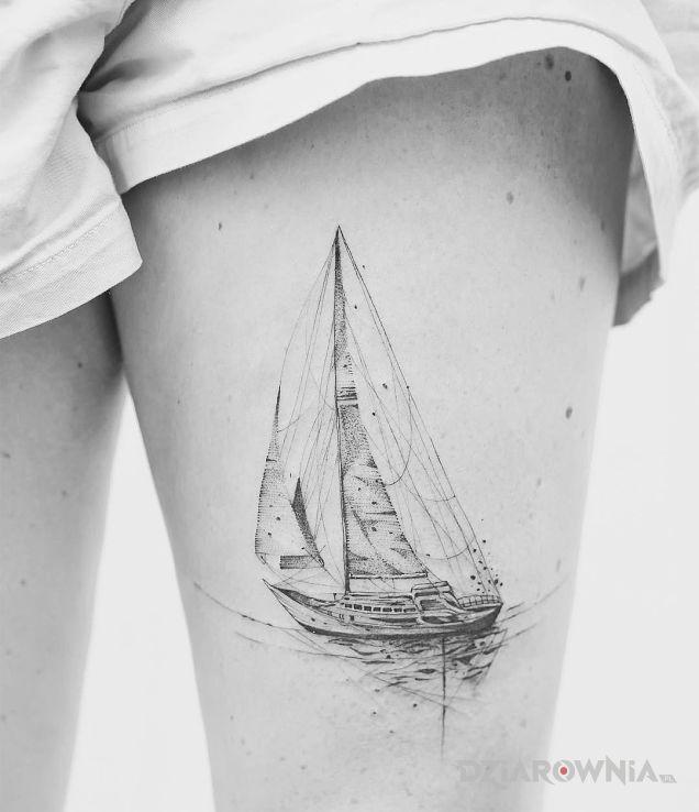 Tatuaż łódeczka - pozostałe