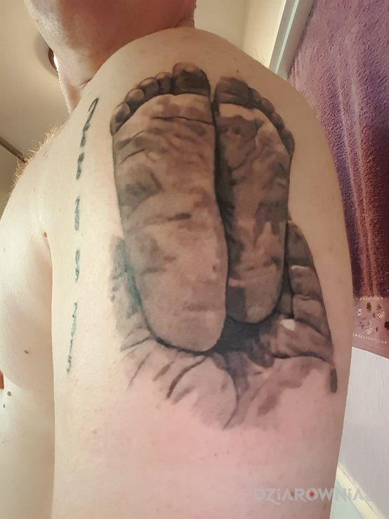 Tatuaż Stopy Dziecka Autor Roman Dziermański Dziarowniapl