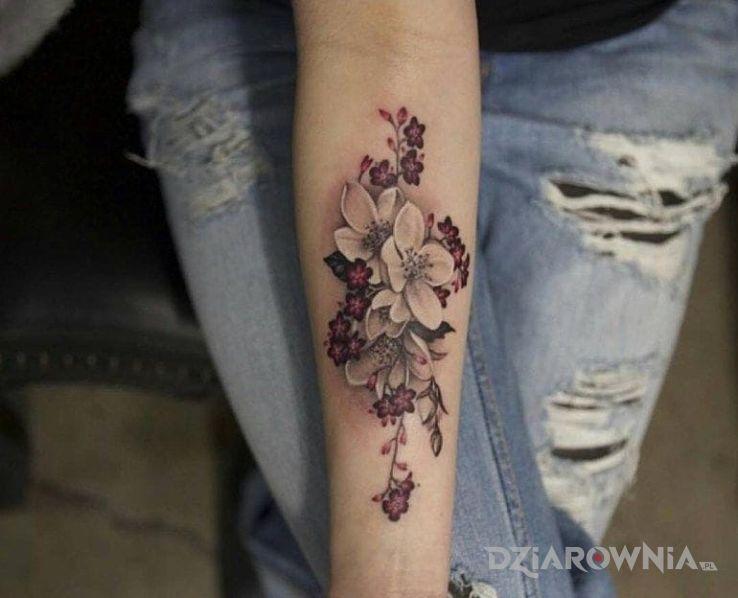Tatuaż Bialy Kwiat Autor Mimikyu Dziarowniapl