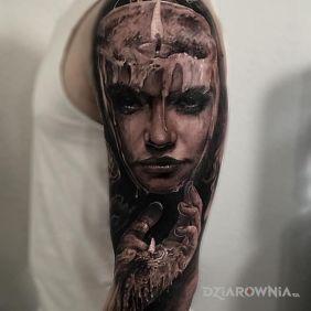 Kobieta z wosku