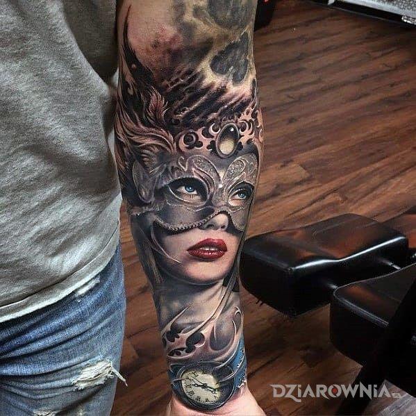 Tatuaż karnawał - realistyczne