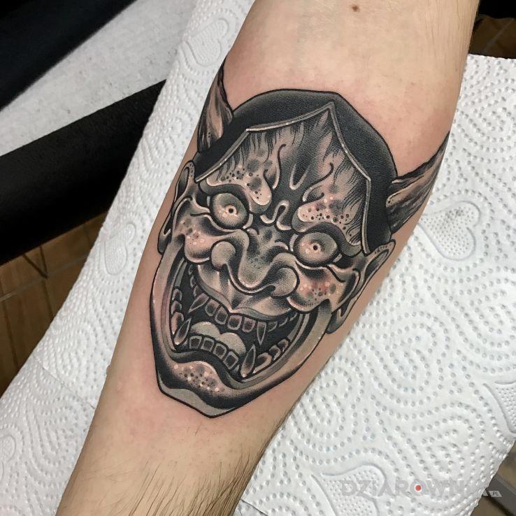 Tatuaż Praca Kostka Autor Bad Mojo Tattoo Gdańsk