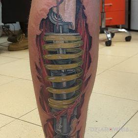 Tatuaże 3D, biomechanika, dziara dla mężczyzn