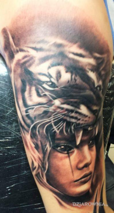 Tatuaż Tygrys I Kobieta Autor Dzik Dziarowniapl