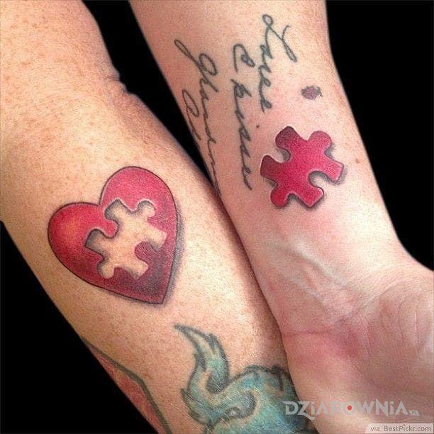 Tatuaż brakujący element - miłosne