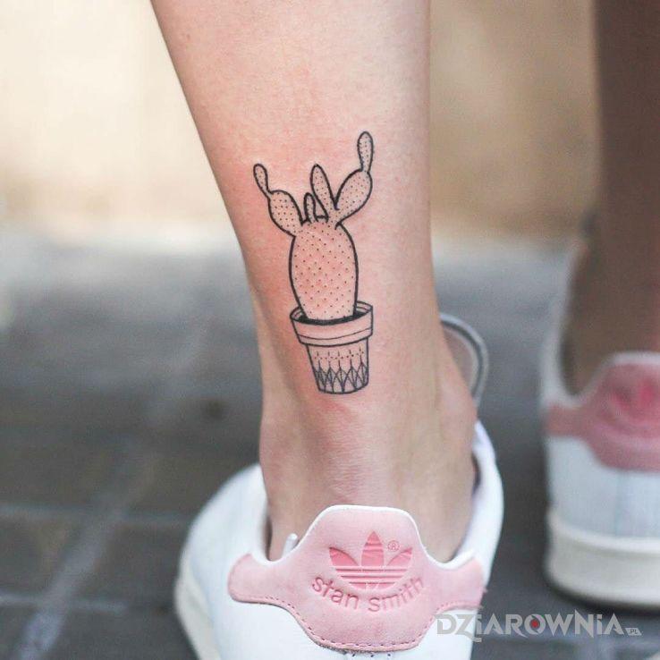 Tatuaż kaktusik - kwiaty