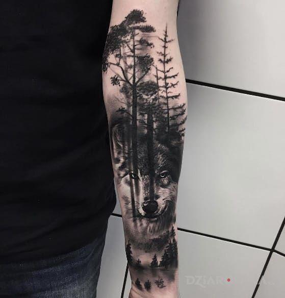 Tatuaż Wilk W Lesie Autor Krystian Rzepka Dziarowniapl