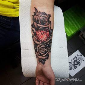 Róża z diamentem