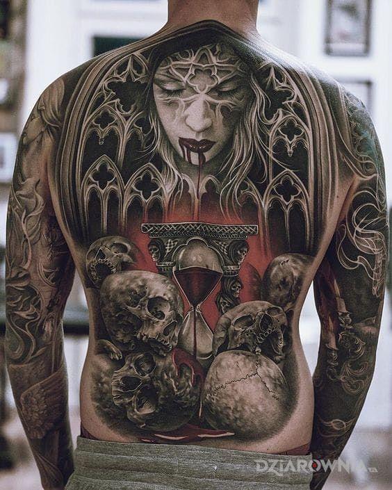Tatuaż krwawa klepsydra - kolorowe