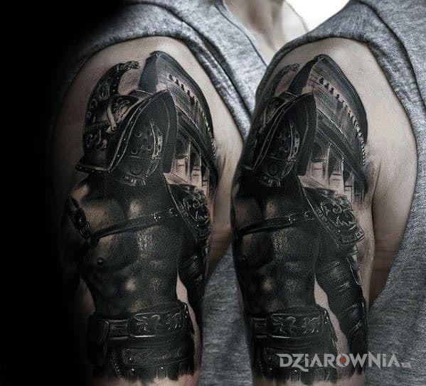 Tatuaż gladiator w motywie postacie i stylu realistyczne na ramieniu