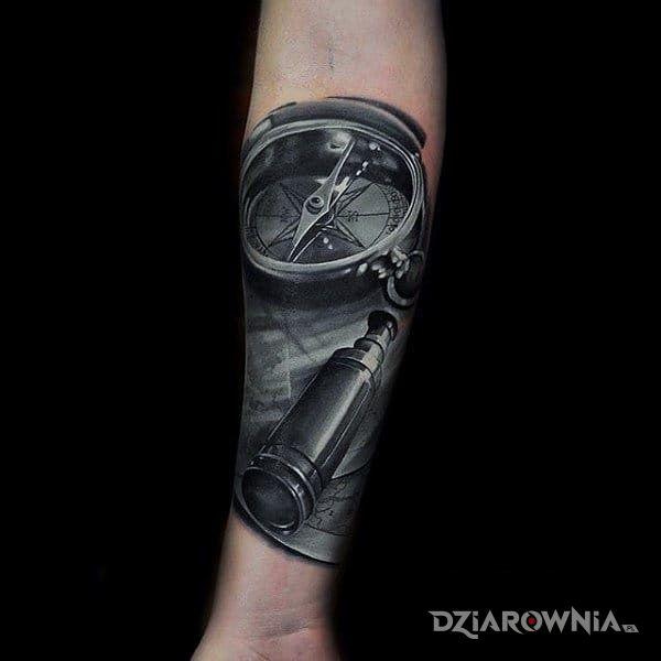 Tatuaż kompas i luneta - 3D