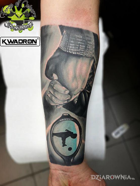 Tatuaż Dłonie Ojca I Syna Autor Forge Of Colours